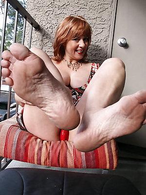 Mature feet gallery